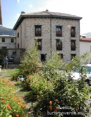 TURISMO VERDE HUESCA. Casa Isabale de Biescas